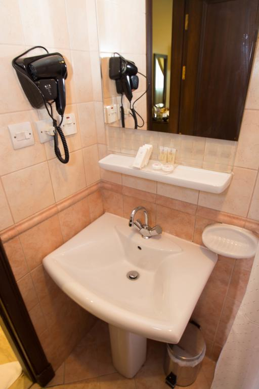 Al Nosour Al Mohajreen Hotel-6
